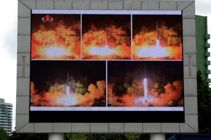 donald-trump-kim-jong-un-nuclear-warheads-1502290059-1000x666
